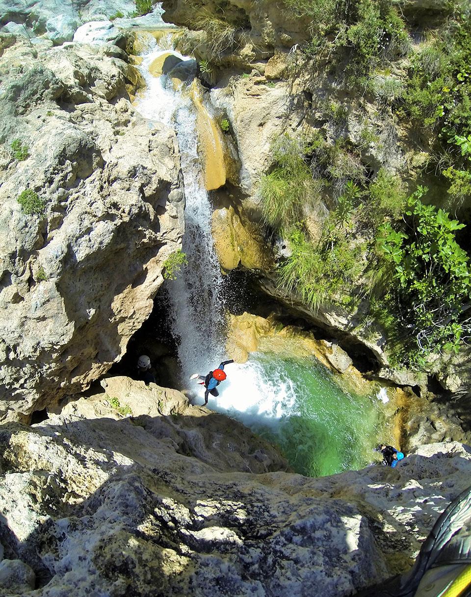 Barranquismo rio verde granada barranquismo en rio verde for Tablon verde granada